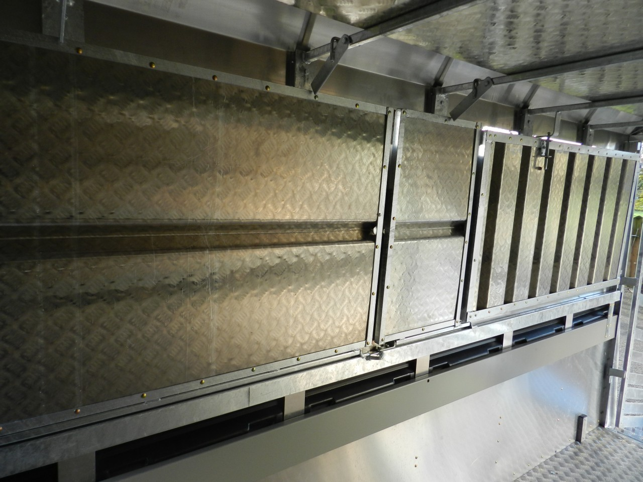 Eurostock-336-folded-decks-LH